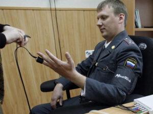 Использование детектора лжи при допросе